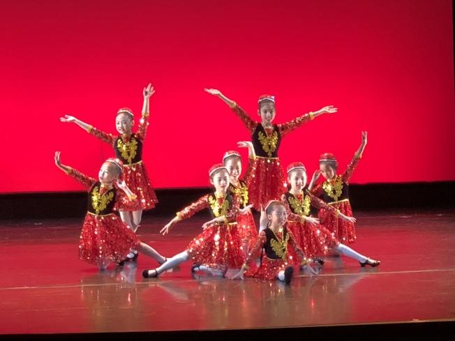 第32屆中華民族舞蹈展帶來各式民族舞蹈。(記者劉晨懿之/攝影)