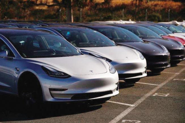 Tesla剛出廠的一批Model 3。(Getty Images)
