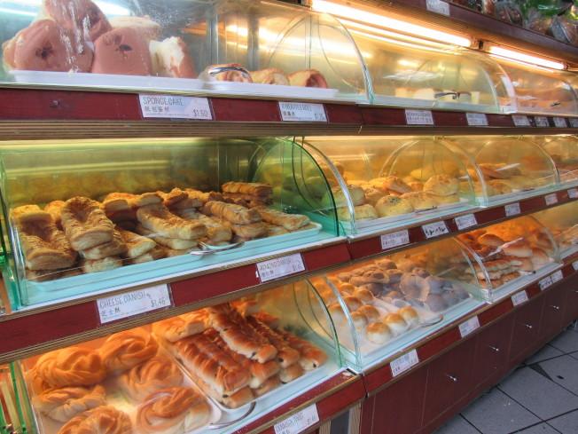 周漢傑堅持讓顧客吃到「實在」的麵包。(記者顏嘉瑩/攝影)