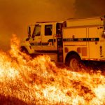 宇洛縣山火燒進酒鄉灣區發出霧霾警報