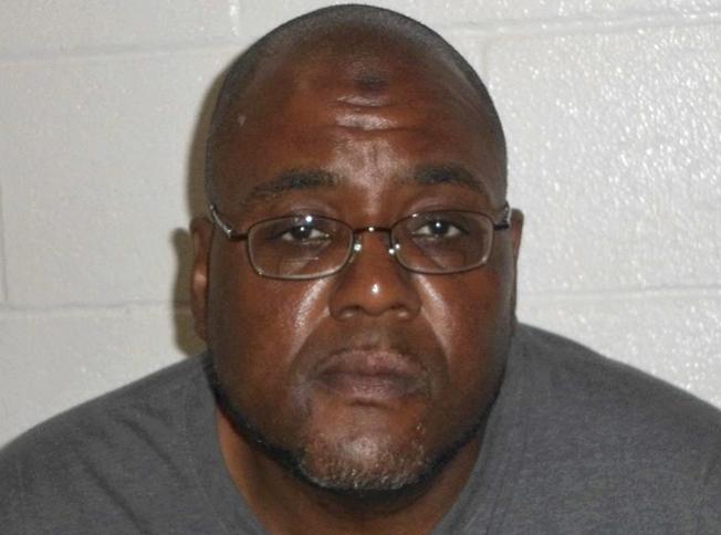 48歲的畢茲因企圖在克利夫蘭的國慶日遊行發動炸彈攻擊,而遭逮捕。(美聯社)