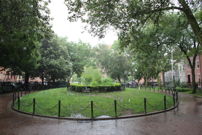 卵石丘公園是附近居民的好去處。(記者劉大琪/攝影)