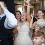 瘋世足/婚禮強碰比賽 英新娘禁播賽事惹眾怒