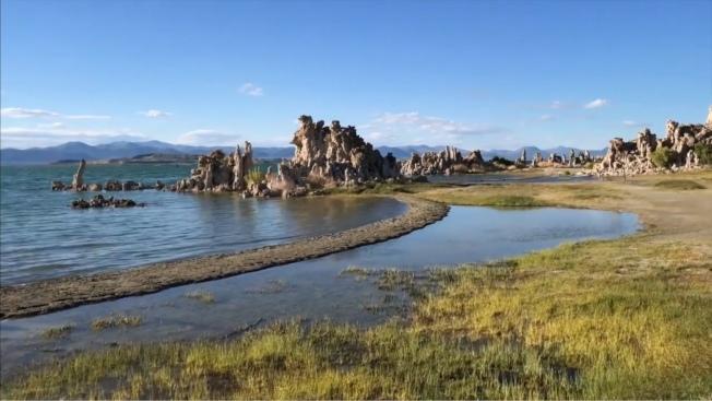莫諾湖水位因氣候變遷下水位逐年下降,加州水資源管理委員會希望改進預測模式,將氣候變化因素考慮進去。(洛杉磯時報/影片截圖)
