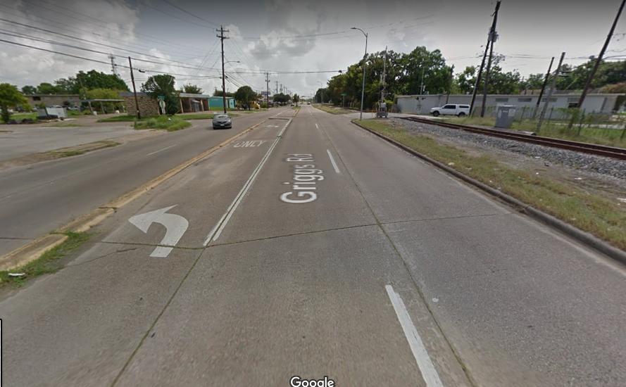遭搶的餐車位於休士頓東南區Griggs Road路旁,周遭僅零星散布數間家商店,並不是人潮高度聚集的區域。(Google Map)