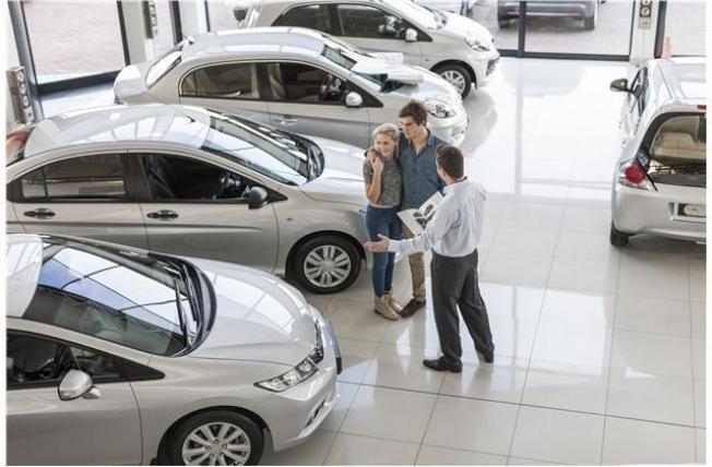 買車時,其實有許多折扣 ,無需付標籤價。(Getty Images)