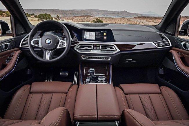 無論選擇哪個套件,2019大改款X5休旅車其實已標配了很豐富的配備。(BMW)