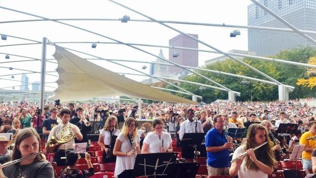 千禧公園「普瑞茲克戶外演奏廳(Jay Pritzker Pavilion)」對芝加哥人而言,是夏日必去的活動地點。(本報檔案照)