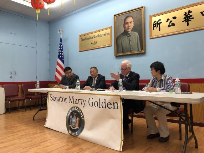 高頓(右二)拜訪中華公所。(記者洪群超/攝影)