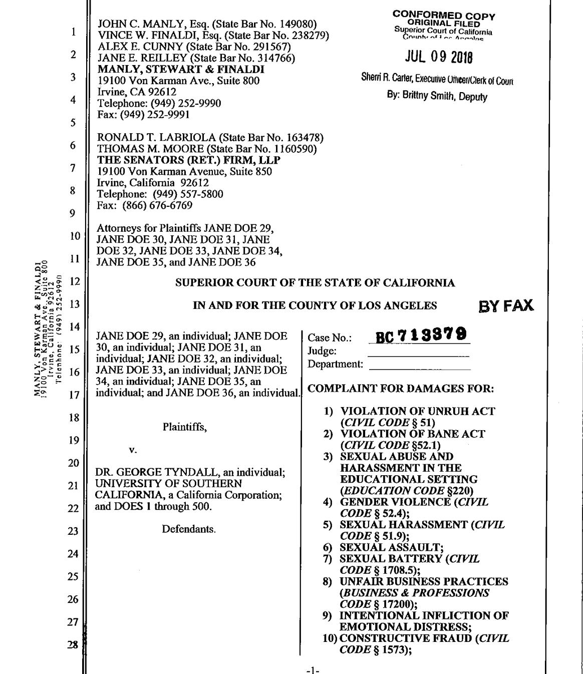 南加大又有八名校醫性侵案受害人7月9日委託著名律師曼利(John Manly)向洛杉磯高等法院提告,此為訴狀書部分內容。(曼利律師事務所提供)