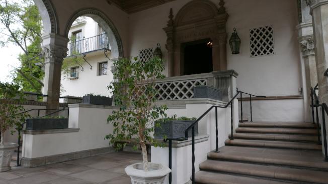 建築是地中海復興風格。(記者李雪/攝影)