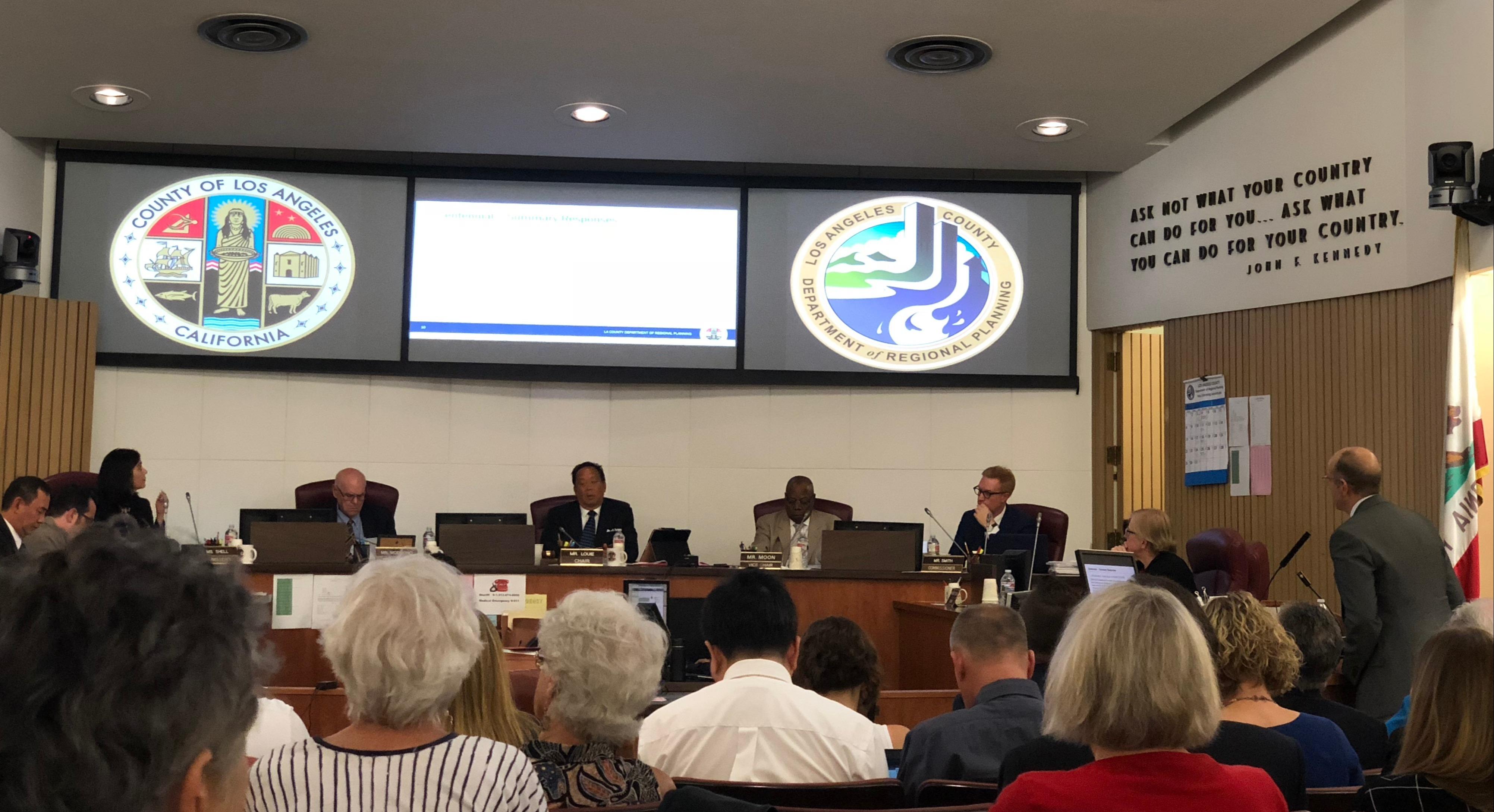 洛杉磯縣區域計畫委員會11日舉辦塔洪牧場聽證會。(記者王若然/攝影)
