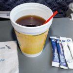 搶搭環保風 美航禁塑膠吸管