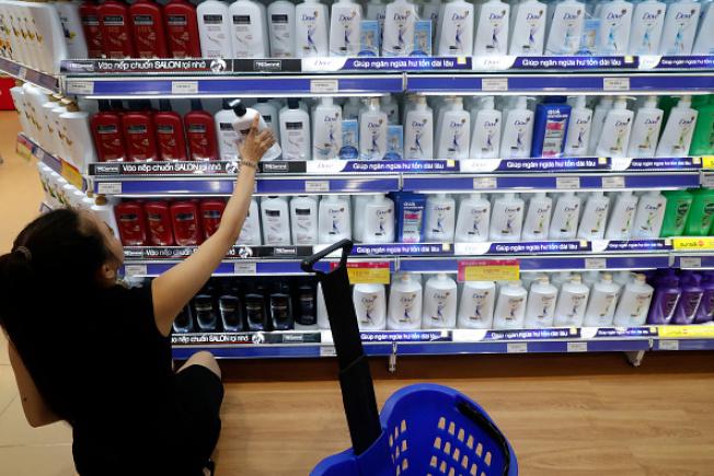 市面上有許多美發產品標榜「不含矽靈」。(Getty Images)