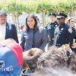 蜜月期開始! 新市長訪田德隆 小朋友認出來