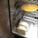 老鼠爬上蛋糕  烘焙坊被查
