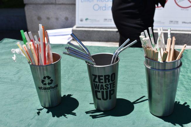 市議員湯凱蒂提出禁用塑料吸管提案闖首關