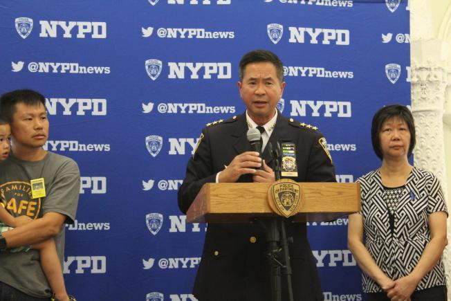 市警交通安全局总监陈文业表示交通安全对每个家庭都有不可忽视的重要性。(记者张筠/摄影)