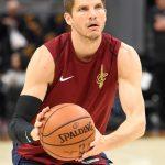 NBA/考佛鳳還巢 37歲回七六人?
