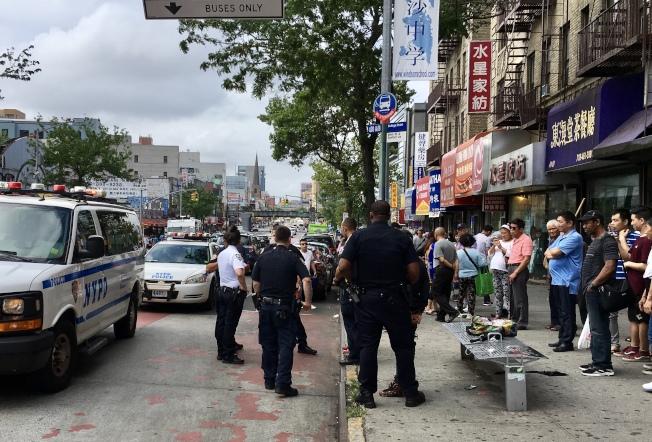 多名警員趕到案發現場。(讀者提供)