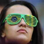 〈圖輯〉巴西球迷半裸相挺 森巴熱情美女球迷如雲