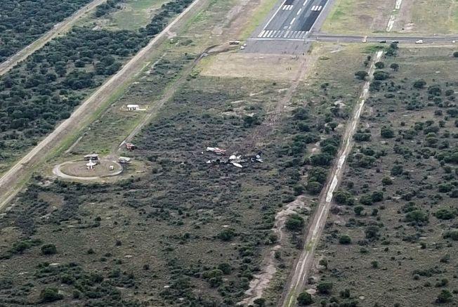 墨西哥航空公司班機起飛時在跑道盡頭墜毀。(Getty Images)
