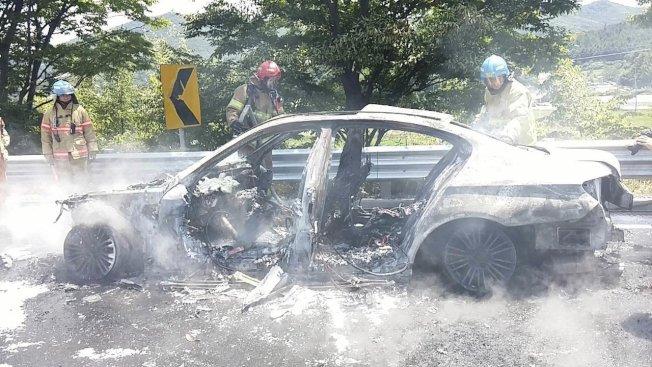 德國豪華汽車公司寶馬(BMW)因引擎起火事件,將召修32萬3700輛柴油汽車。 歐新社