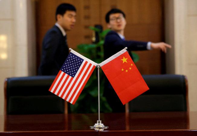 中國官媒刊文「不經歷風雨,怎麼見彩虹」,再次釋放要與美國打貿易持久戰的信號。(路透)