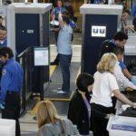 15機場安檢   電子產品和水瓶不必拿出來