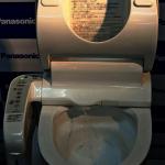 告別刷馬桶!Panasonic推出「防汙」馬桶座