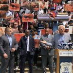 紐約獄警變沙袋 遭犯人潑尿、毆打成常態