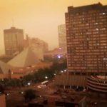 野火蔓延 加拿大卑省進入緊急狀態 大城罩濃煙