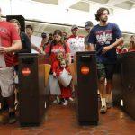 美國現象/網約車搶客 紐約地鐵警鐘