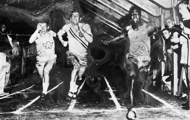 安南(右)就讀美國麥卡萊斯特學院時,打破學校60碼短跑紀錄。(歐新社)