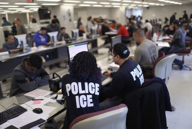 司法部長塞辛斯最近限制移民法官無限制中止案件的權力,而移民及海關執法局(ICE)律師準備重開數以千計已結案的驅逐案。(Getty Images)