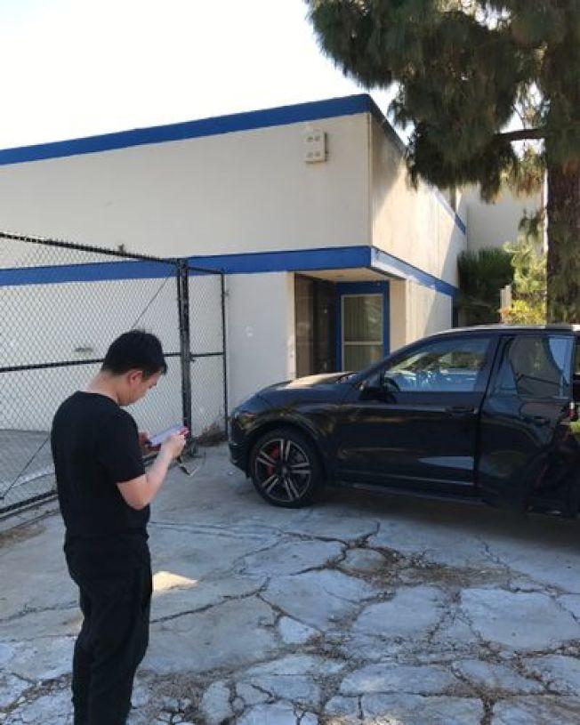 廖若晨所在的車行是他和同伴一起設立,主要銷售高端的豪華車型。(圖片取自廖家設立的尋人網站)