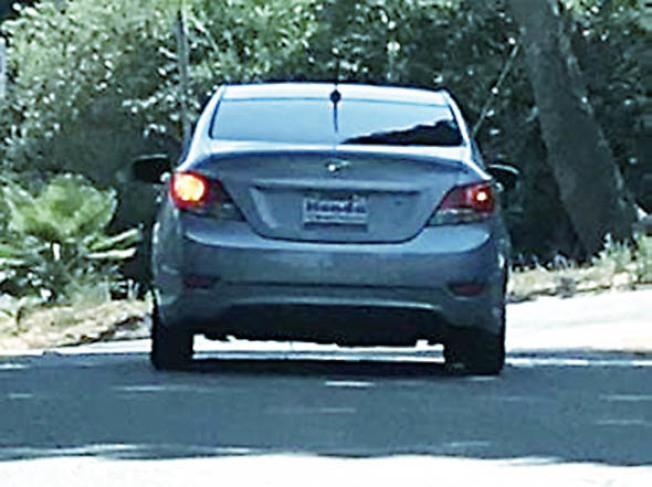 警方公布犯案車輛照片,希望民眾提供更多相關線索,協助將歹徒繩之以法。(圖:西谷分局提供)