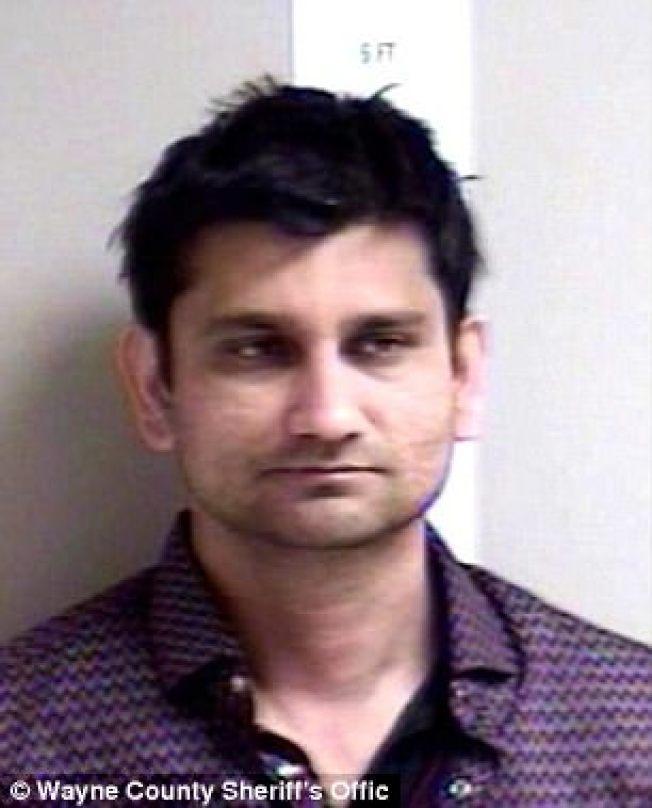 印度裔瑞馬穆席被控在精神航空公司飛機上,趁鄰座女乘客睡著時,解開她的衣服性侵 ,瑞馬穆提可能在監獄度過餘生。(韋恩郡警局照片)