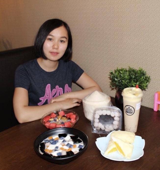詹萍和家人在法拉盛開甜品店,把好味道分享給更多人。(記者劉大琪/攝影)