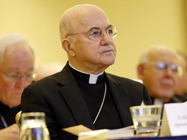 前教廷駐美大使維甘諾大主教26日發表公開信,指責前後兩任教宗對賓州教士性侵案包庇不處理,引起極大震憾。(美聯社)_