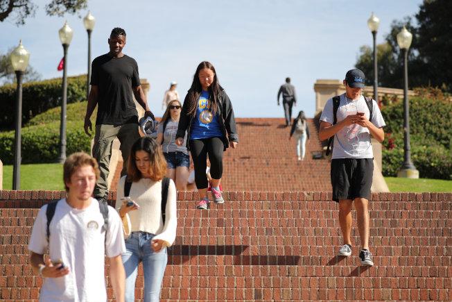 加州即將要求所有公立大學在校園提供墮胎藥,成為全美第一個這樣做的州。圖為洛杉磯加大校園。路透