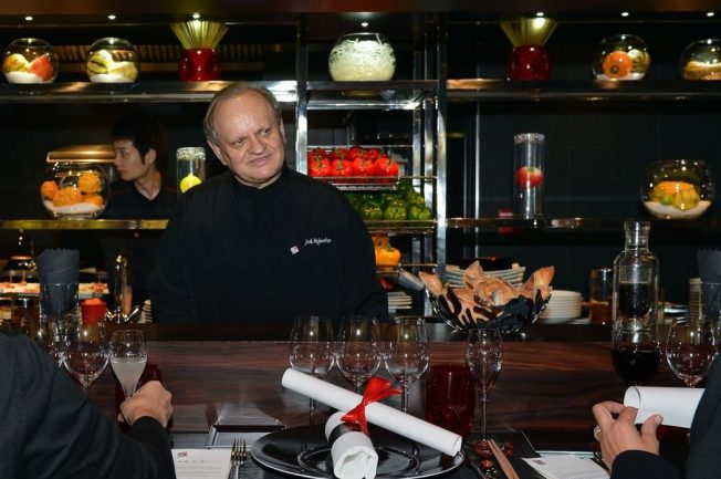 法國名廚侯布雄73歲癌逝   摘32顆米其林星星冠全球
