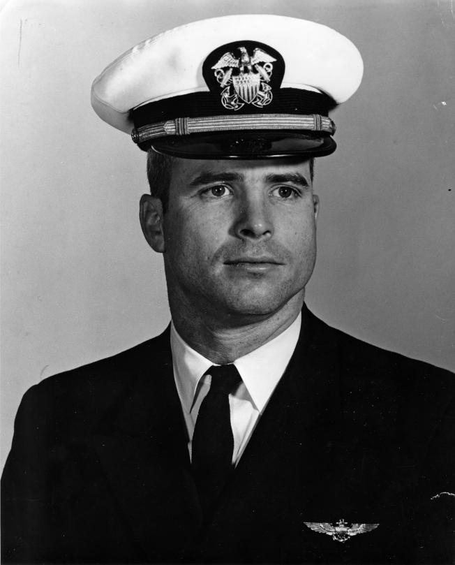 將門之後馬侃從軍,圖為1963年海軍中尉馬侃的資料照片。(歐新社)