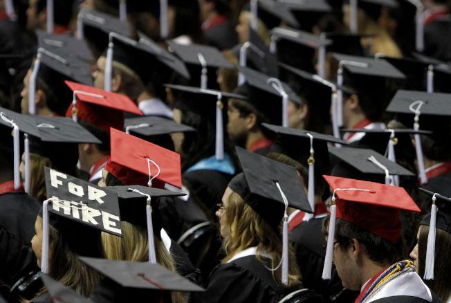 更加嚴格的OPT規定,讓留學生更難找工作。(美聯社)