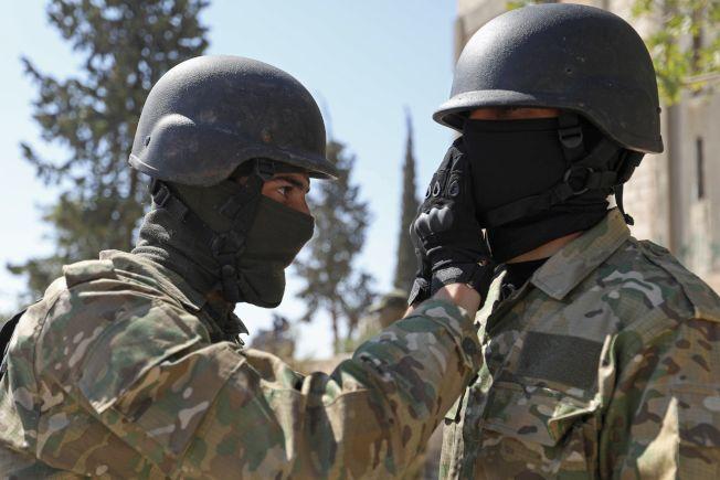 占據敘利亞伊德利布省北部的反抗軍3日準備與政府軍決一死戰。(Getty Images)
