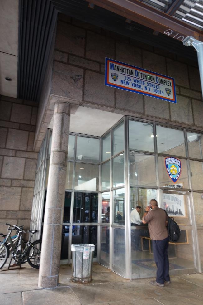 白街125號拘留中心內部設施已過於老舊。(記者金春香/攝影)