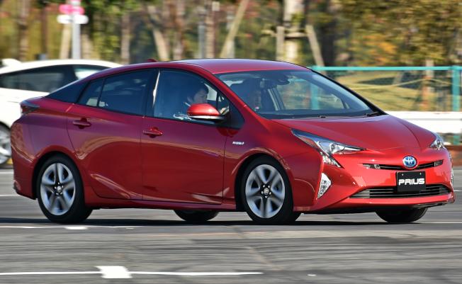 因可能導致起火,豐田汽車公司5日召回包括暢銷的Prius在內的超過100萬輛油電車,其中逾20萬輛在美國。(Getty Images)