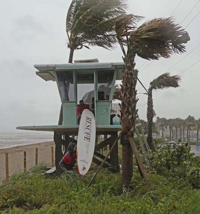 熱帶風暴戈登上周侵襲佛州,造成財物房產損失。(美聯社)