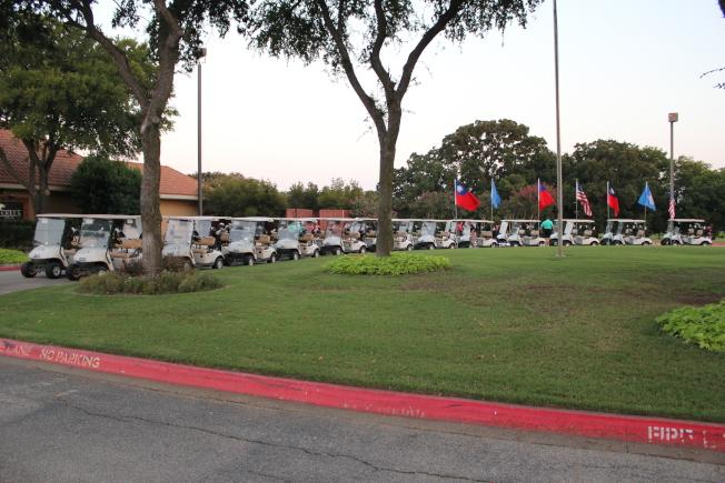 雙十國慶杯高爾夫球錦標賽車隊出場。