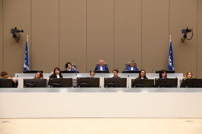 位於荷蘭海牙的國際刑事法庭8日開庭審案。(路透)